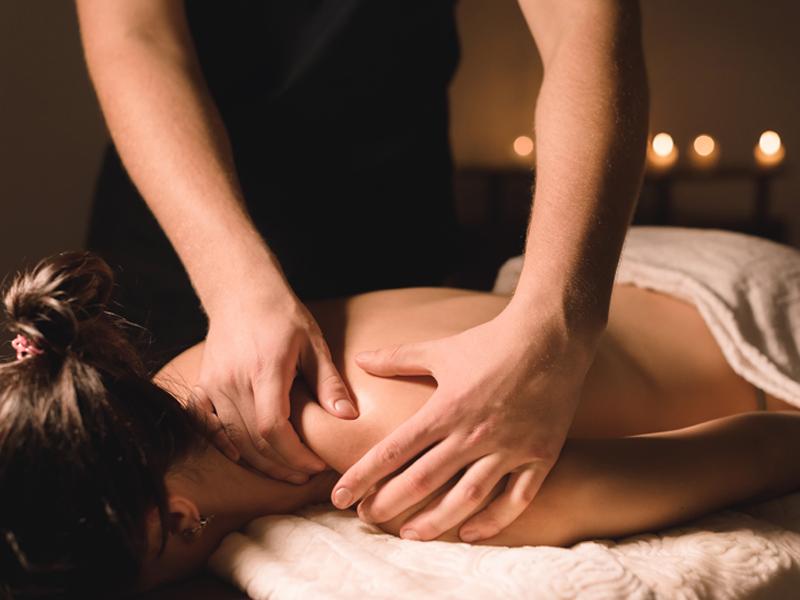 corps, massage, dos, Femini Styl', institut de beauté spa, 85290, Mortagne sur Sèvre, Vendée